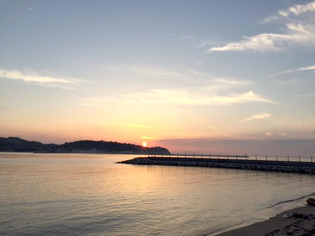 淡路島の夕日の絶景スポットです