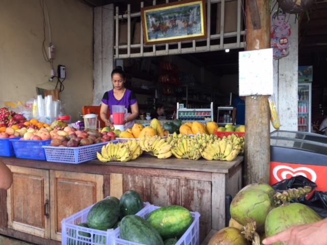 南国のフルーツは、本当に種類も豊富で、バナナだけでも何種類もあります