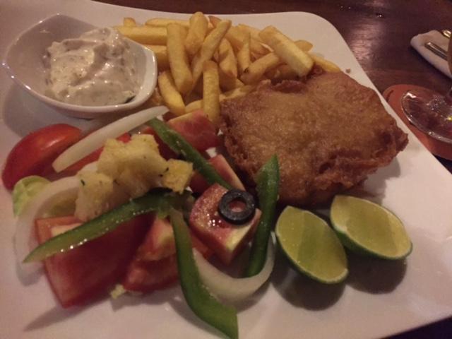 ヨーロッパ人の多い地域なので、フィッシュ&チップスも美味しかった