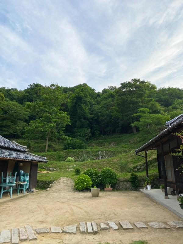 淡路島のごちそうディナーやBBQの後、蛍を見にお散歩がおすすめです!